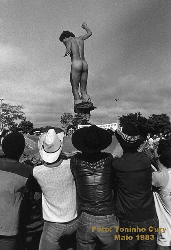 A polêmica foto de 1983. (Foto: Toninho Cury)