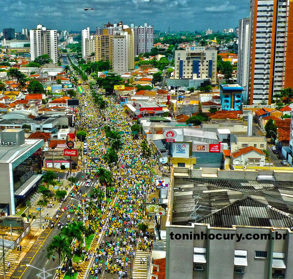 Ato contra o governo Dilma