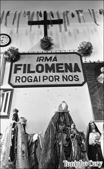 A fé em Filomena. Araxá/MG. (Foto: Toninho Cury)