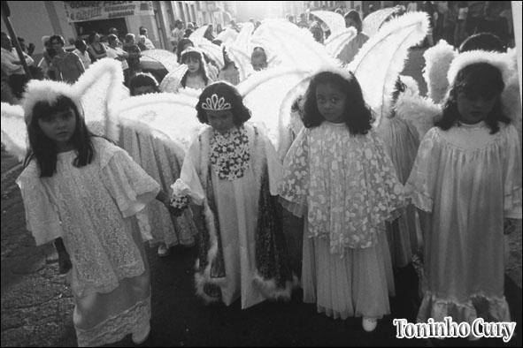 'Procissão de Anjos'. São Luiz do Paraitinga/SP. (Foto: Toninho Cury)