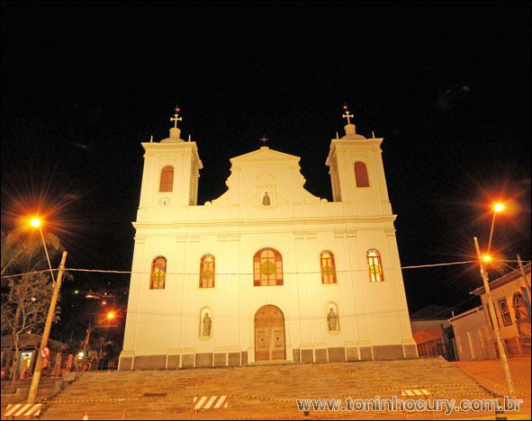 A Ireja Matriz de São Luiz do Paraitina foi reconstruída após a destruição total em enchente no ano de 2010. (Foto: Toninho Cury)