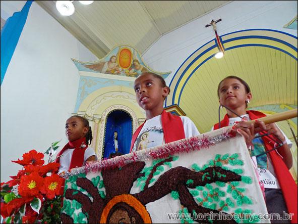 Crianças participam da Festa de São Sebastião. (Foto: Toninho Cury)